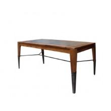 알툴리 테이블